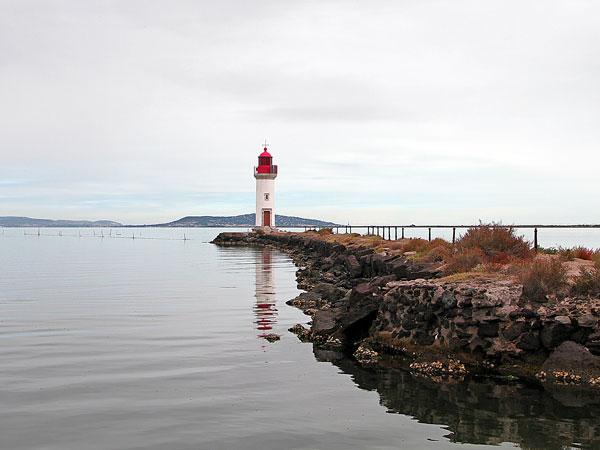 Leuchtturm vor dem Étang de Thau
